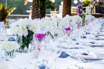 שולחן אבירים בחתונה